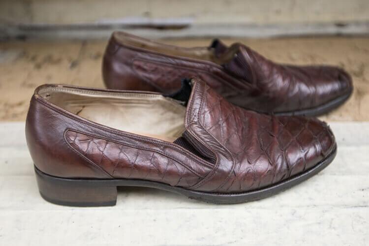 師傅用珍貴皮料作給父親的鞋子