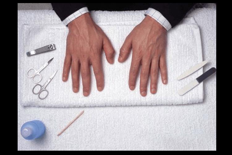 面試前注意指甲的乾淨與整潔