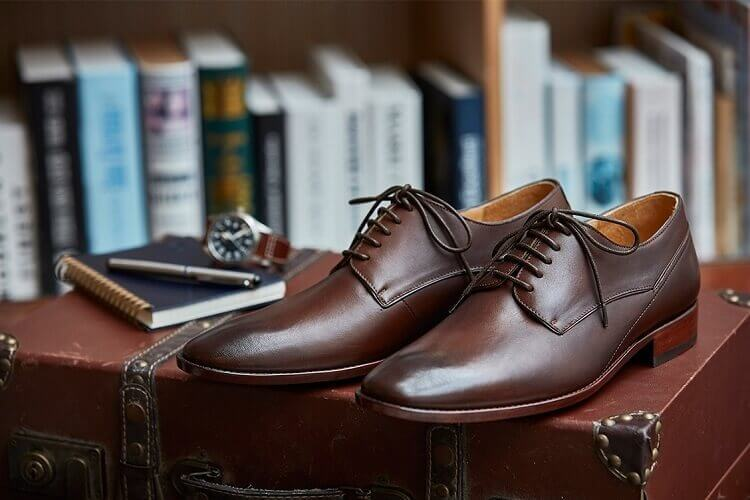 台中園道店推薦-鑲邊飾線德比鞋 渲染咖