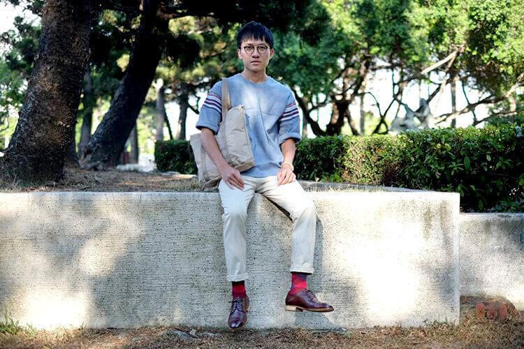 文藝氣息輕型男卡其褲與德比鞋穿搭
