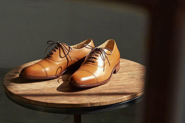 鵝頸橫飾皮底牛津鞋蜜棕色