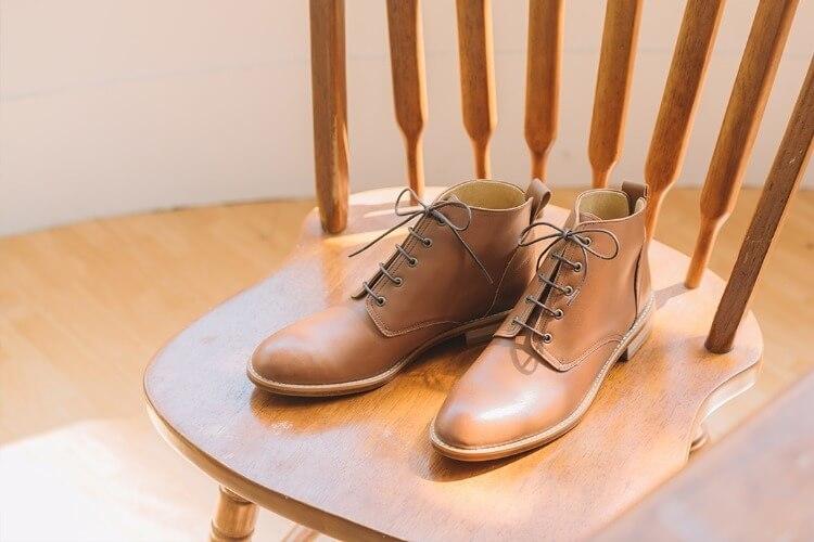 素面德比踝靴咖色