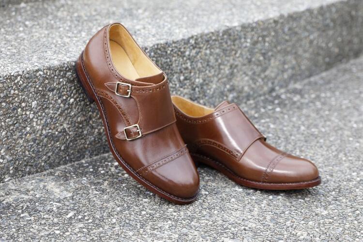 橫飾鋸齒雙釦孟克鞋咖啡色