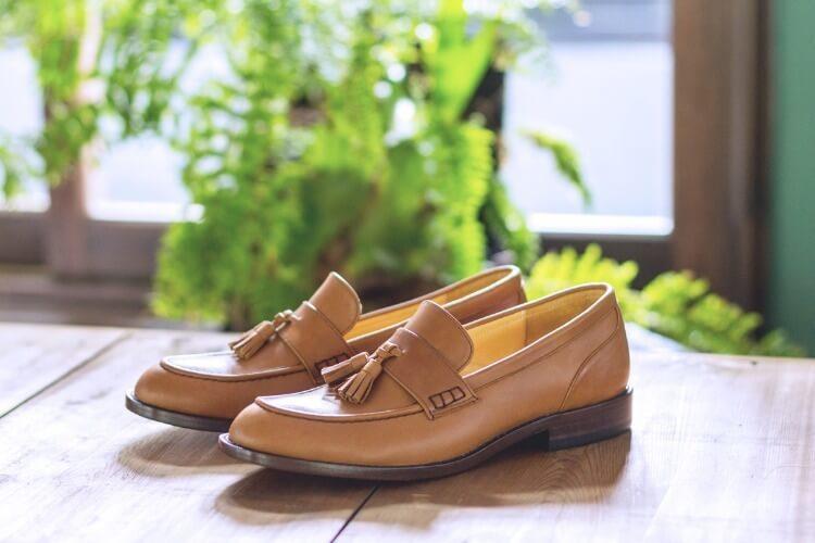 鞍片流蘇樂福鞋棕色