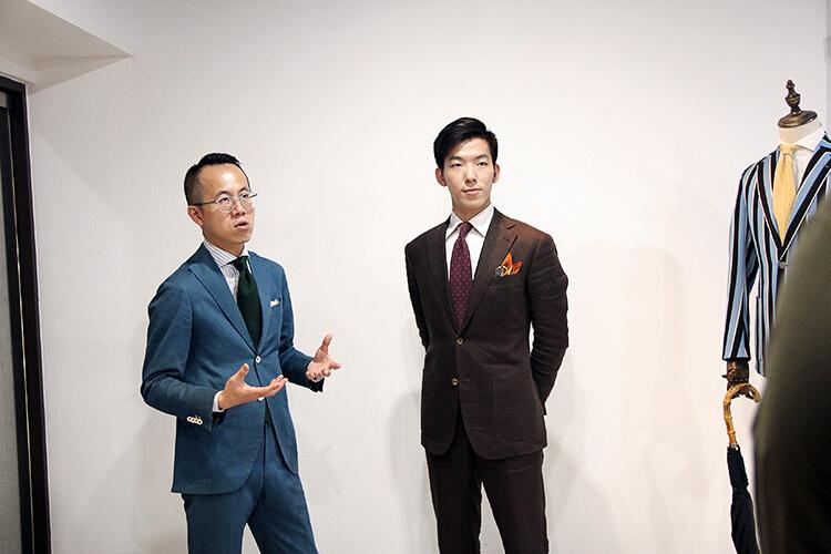 高梧集主理人Brian與男模特示範西裝