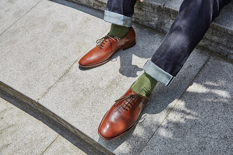 丹寧褲與鞍部牛津鞋