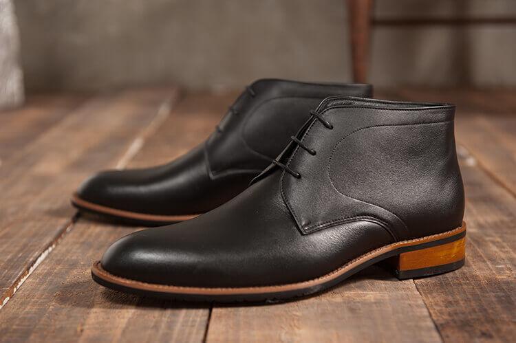 林果良品查卡膠底靴 經典黑