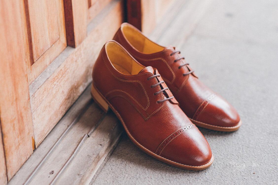 縫線雙色橫飾德比鞋