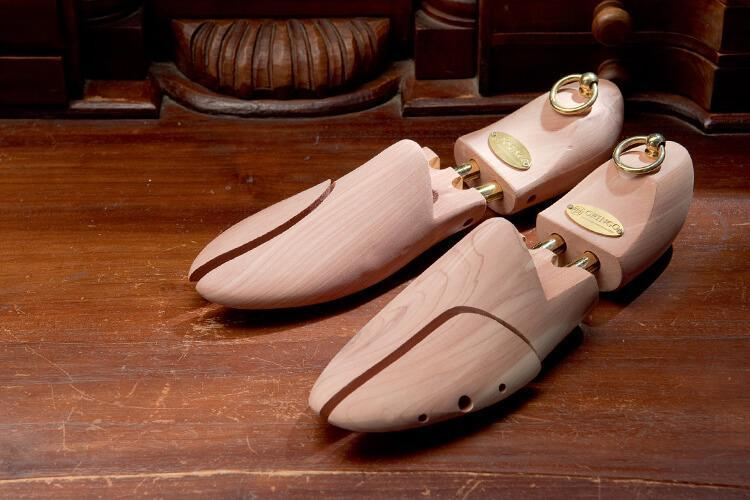林果良品雪松原木鞋撐