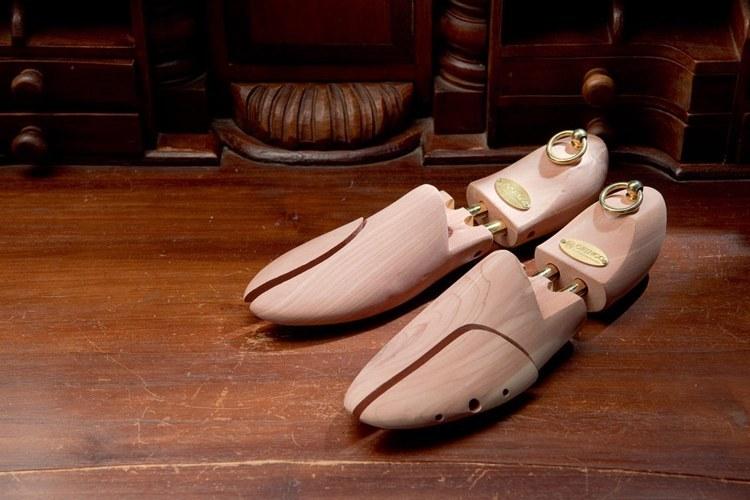 林果良品的雪松木鞋撐,乾燥防潮支撐鞋面