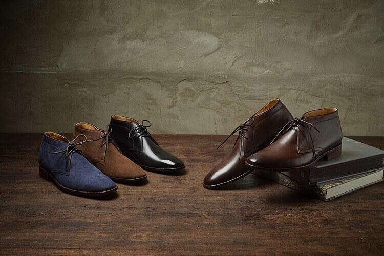 林果良品皮底沙漠靴兼具休閒與正式