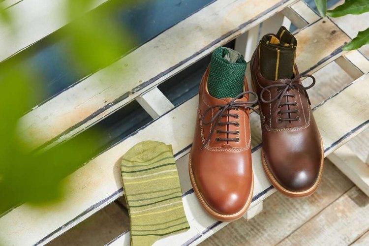 牛津皮鞋與三雙襪子