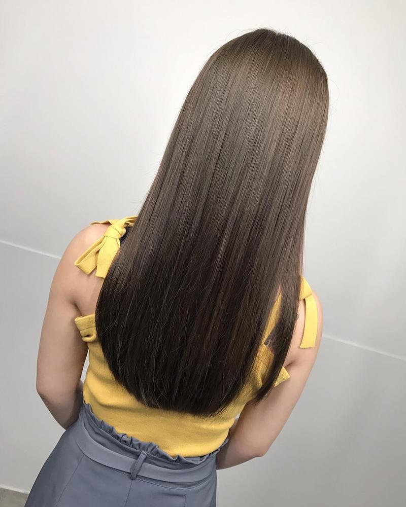 Ink Hair髮型作品集一個長直髮女孩的背影