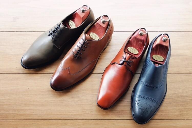 平時將鞋撐放入交替穿著的皮鞋防潮防止變形