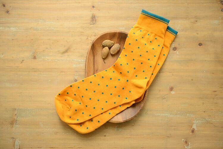高階班推薦 黃色波卡圓點紳士襪