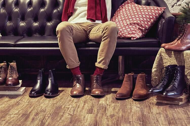 林果良品的不同風格的男靴展示