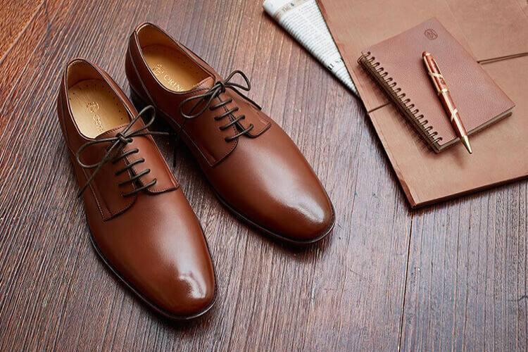 林果良品五孔的鑲邊飾線德比鞋
