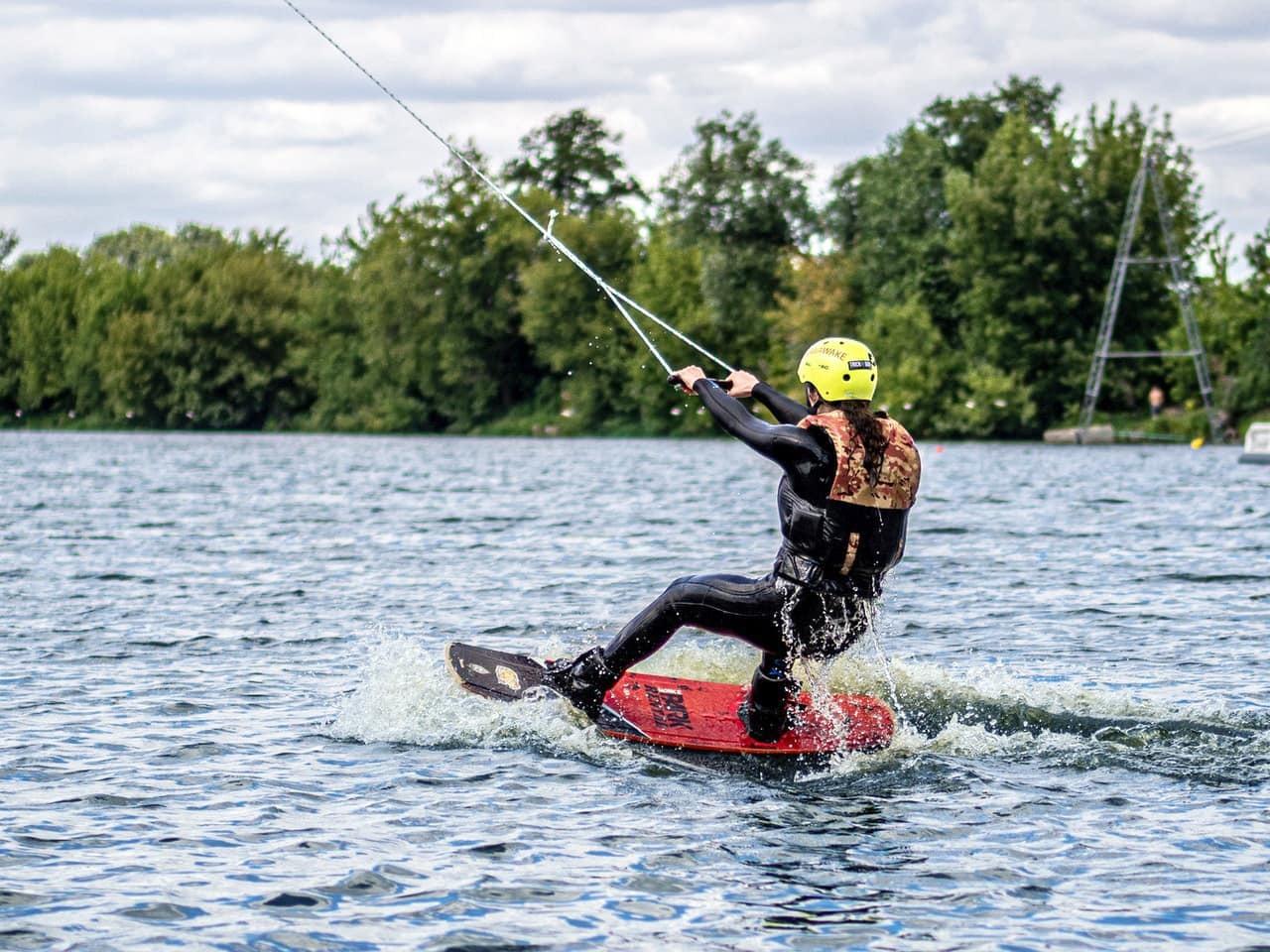 極速滑水 船P不可分割海上活動推介,讓你玩轉盛夏 Kama Delivery到會外賣服務