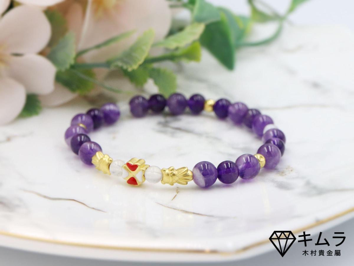 紫水晶手鏈是許多小資上班族的入門款,祈求提升工作專注力