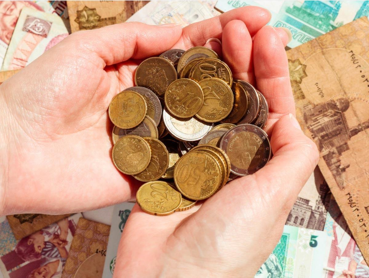 市場遭遇風險時,黃金價格所受影響較小,反而常逆勢上漲