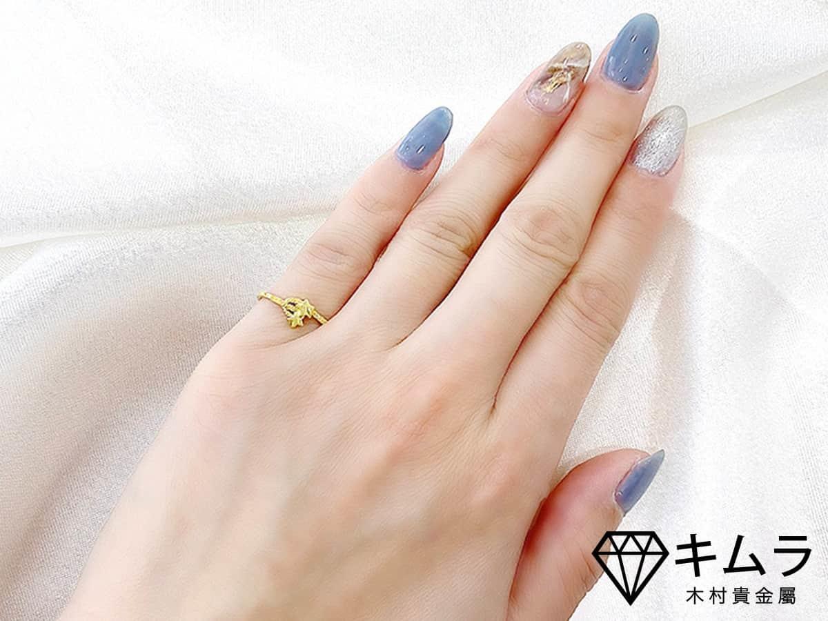 可調式黃金戒指,即使手指變纖細,也能持續打擊小人。想用黃金斬小人就來「木村貴金屬」