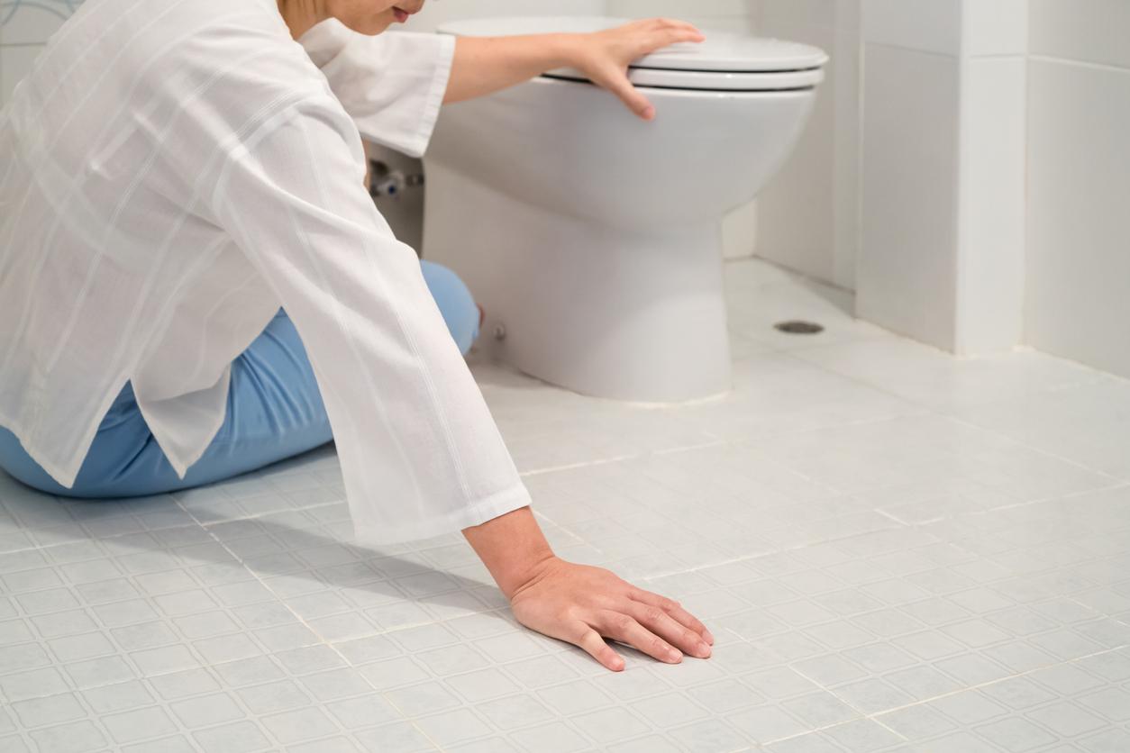 了解浴室防滑方法,預防老人跌倒