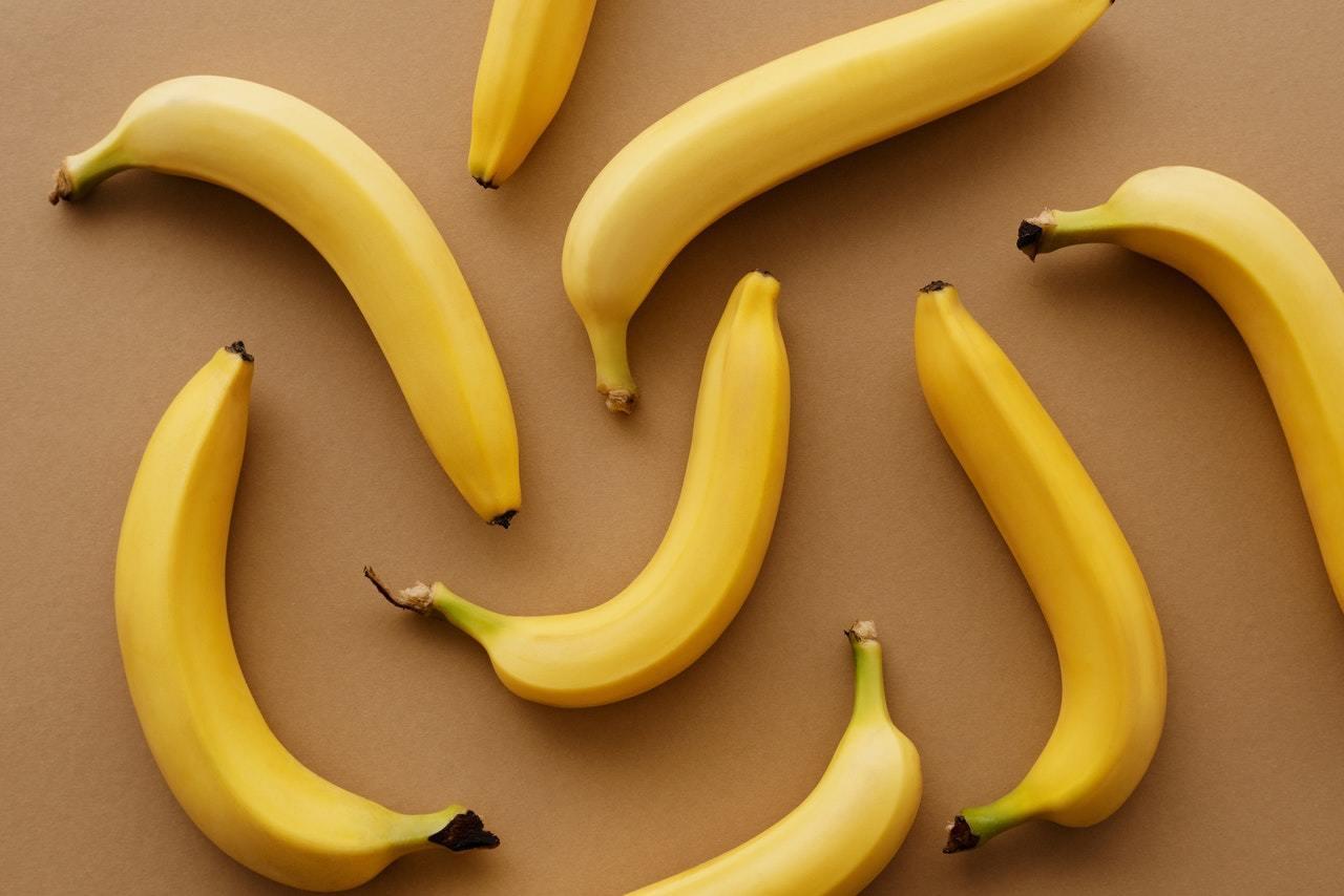 食香蕉或飲電解質飲品|如何有效舒緩宿醉|5個快速解酒方法推薦