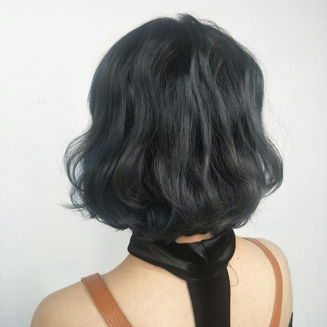 Ink Hair 設計師作品集-大勢短髮圖鑑|現在短髮美女才是王道,5款熱門短髮造型推薦,大勢短髮女生造型三:蛋捲頭短髮