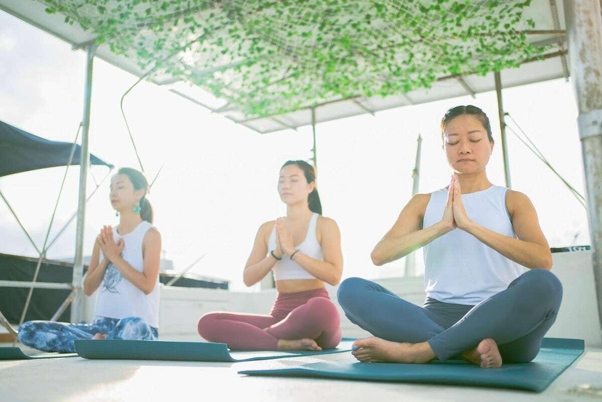 海上瑜伽 可過夜多用途遊艇出租推薦 出海、租船、船河公司推介