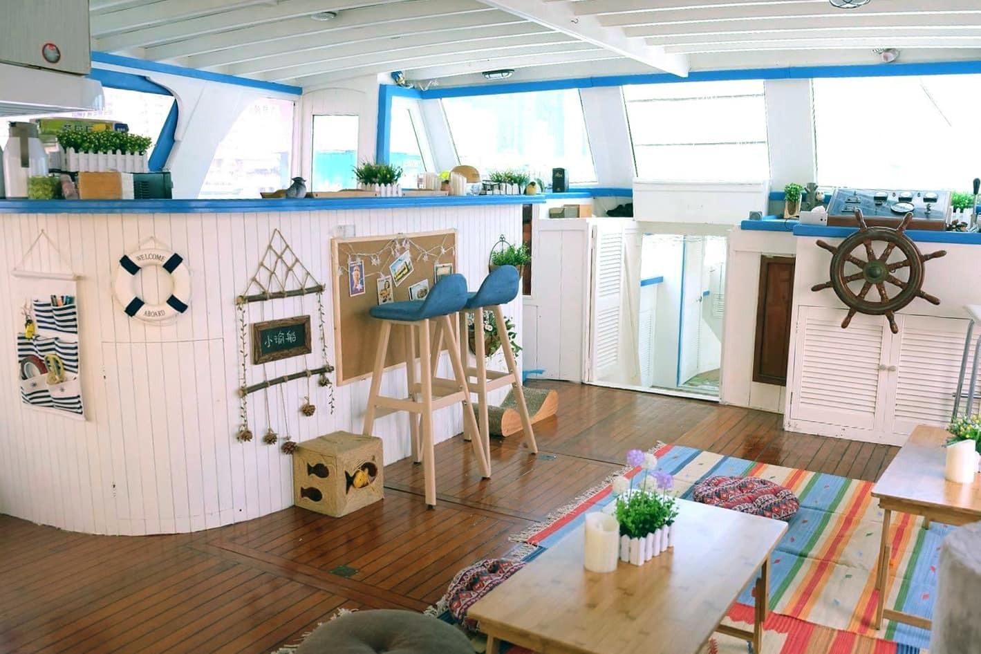 裝修靚遊艇 可過夜多用途遊艇出租推薦 出海、租船、船河公司推介