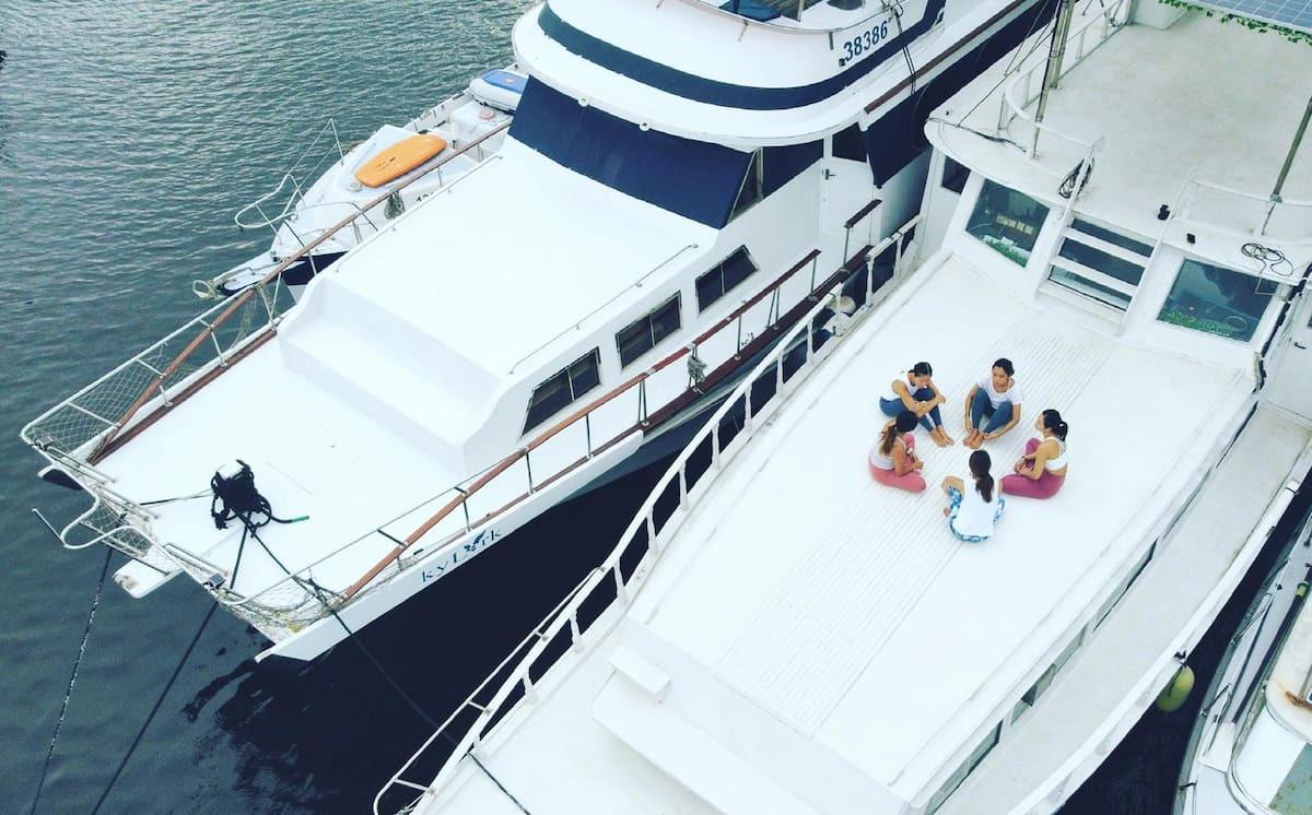 小瑜船 香港首間海上瑜伽室 為私人、公司、團體提供租船服務