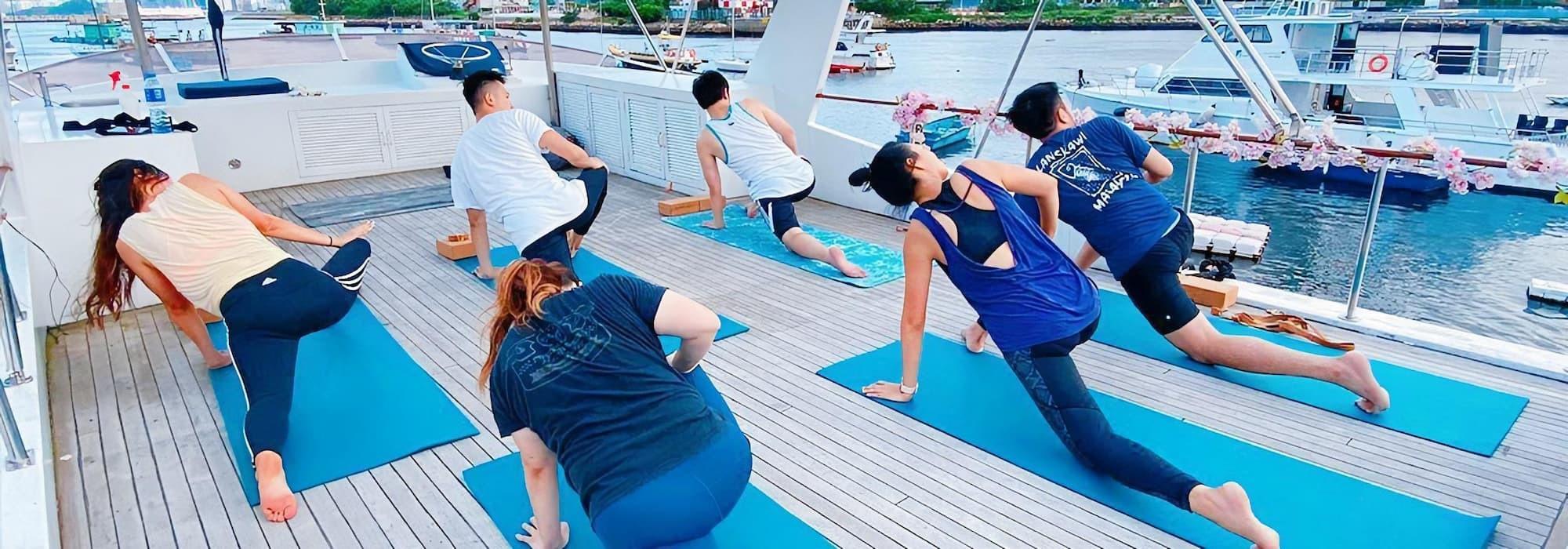 小瑜船|海上瑜伽新體驗|出海、租船、船河公司推薦