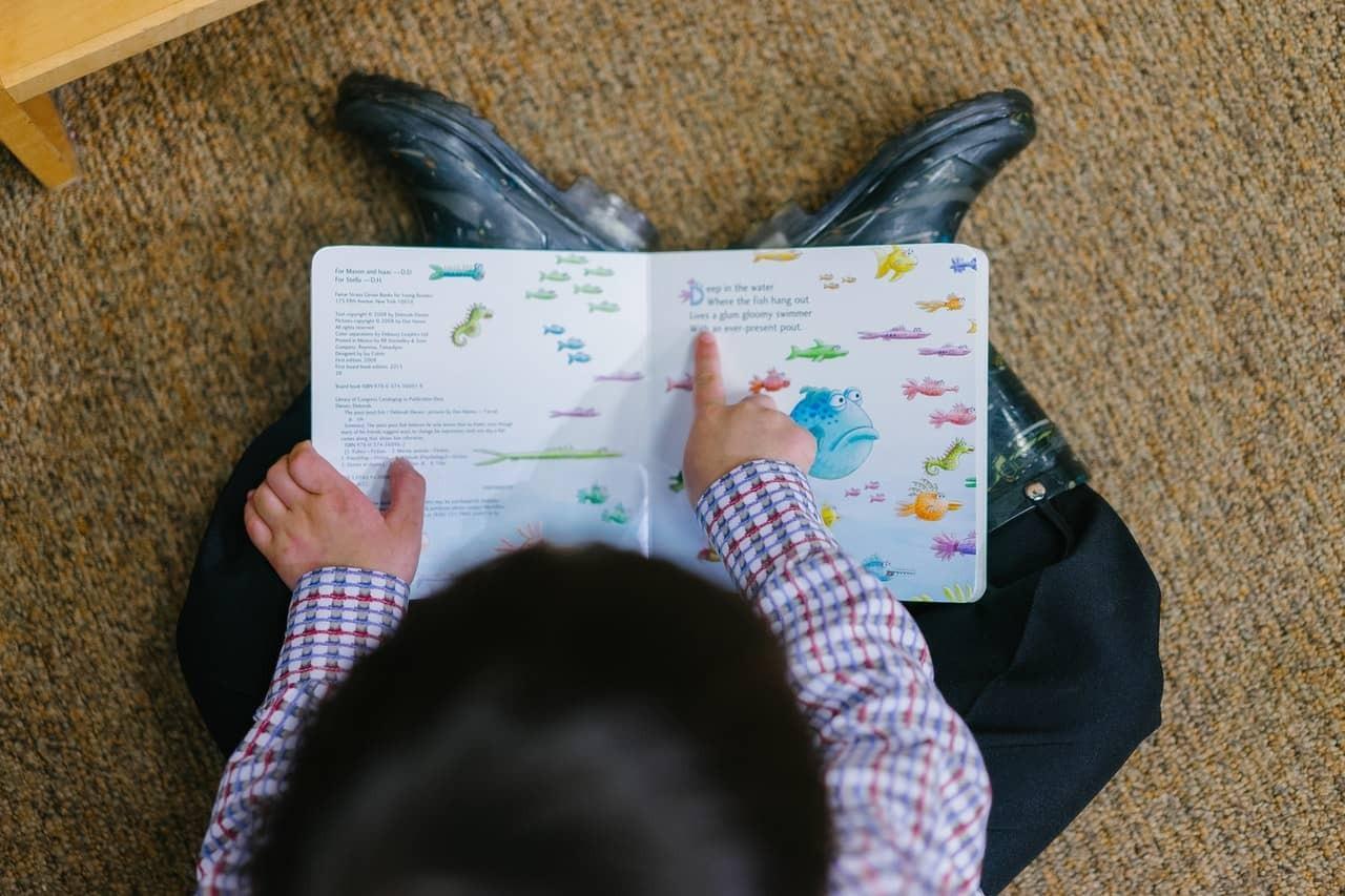 為小孩營造快樂的看書氣氛 如何培養孩子閱讀習慣 5種方法提高小朋友閱讀興趣
