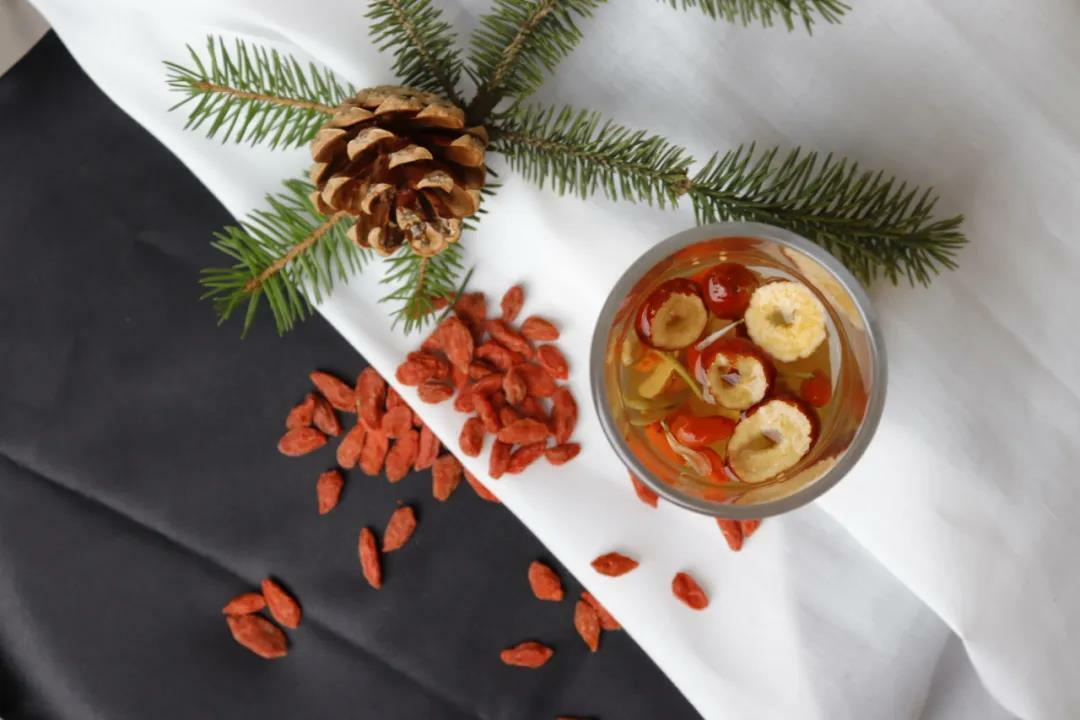 先調好、身才好!仙桃牌傳承百年漢方精華,輕便攜帶即撕即飲。天然成分安全無虞,一天一包調整體質!
