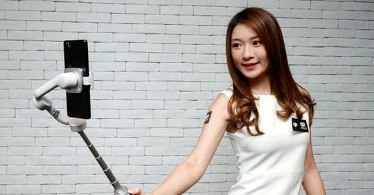 DJI OM 5手機穩定器+自拍棍合二為一 小巧輕裝隨身 拍攝指導助你搵靈感