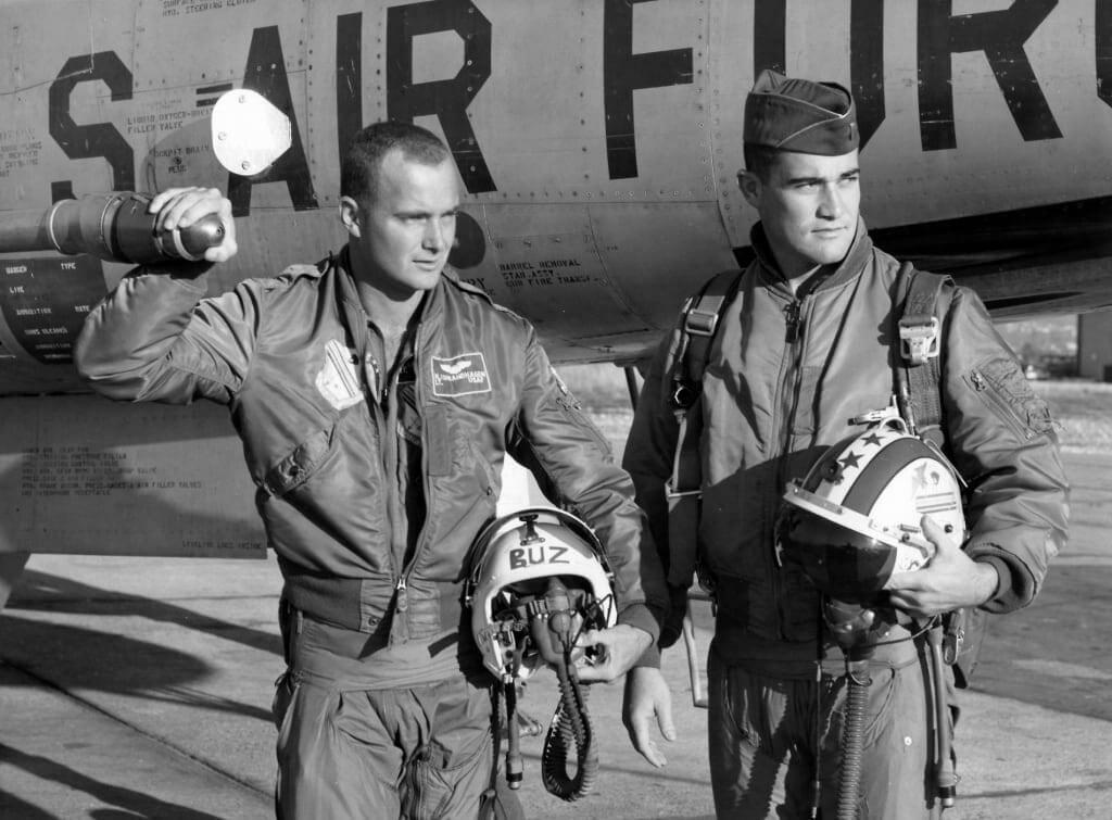 歷久不退流行的MA-1飛行外套是什麼?該怎麼挑尺寸?美軍外套的由來一同告訴你!