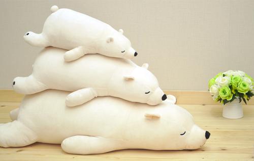 北極熊抱枕