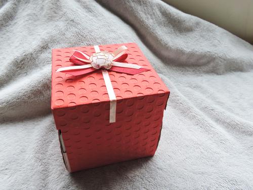 手工禮物盒加KITTY玩偶